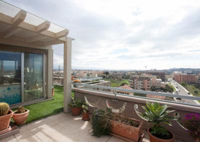 Pavimentazione terrazze con erba sintetica Roofingreen. Acquastop Cagliari